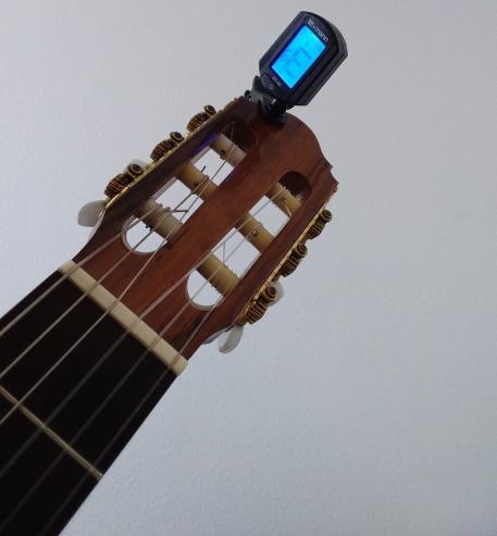 Klemm-Stimmgerät Gitarre stimmen